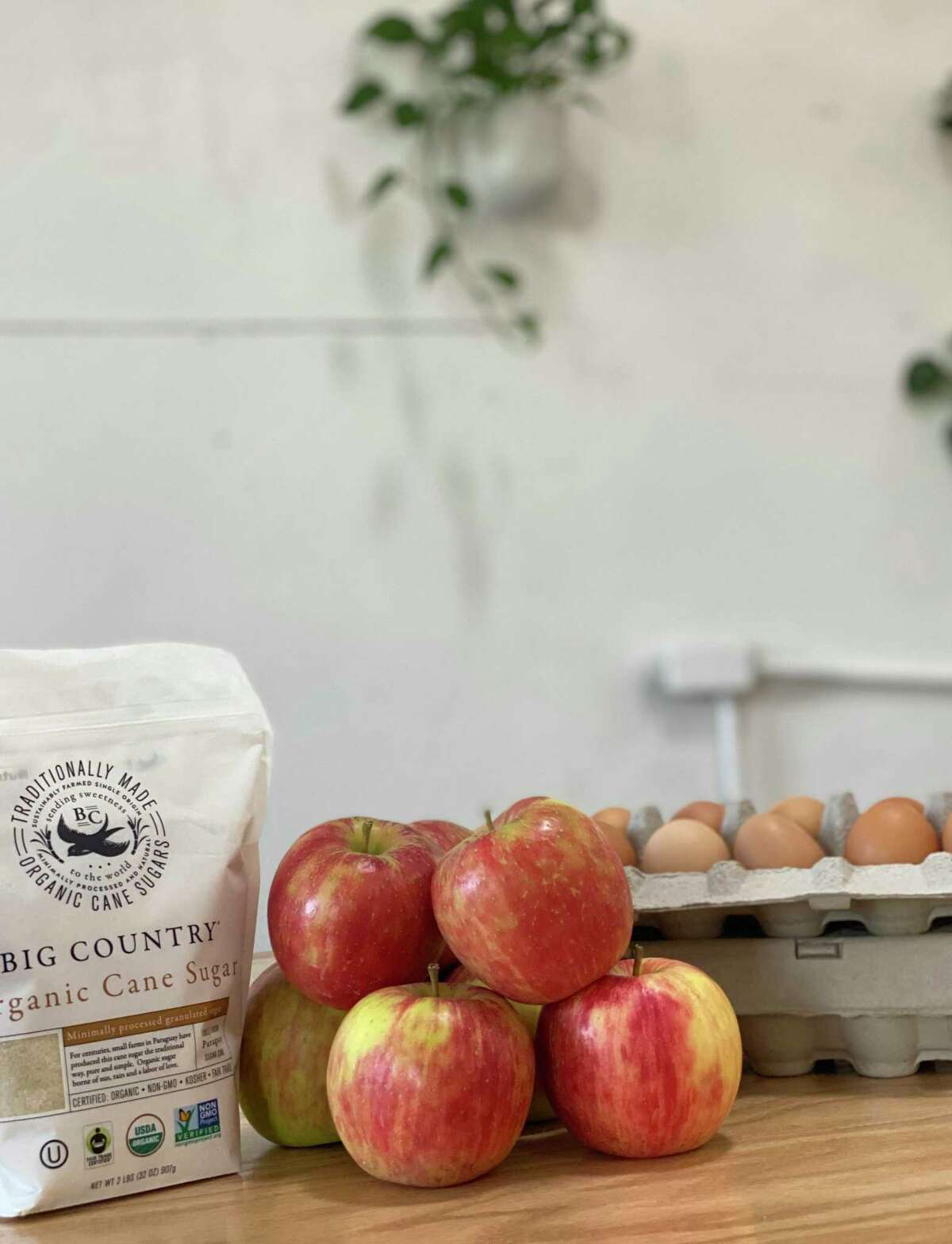 What's the best way to create and bake an apple pie? A class that answers this question will be offered at Mike's Organic Market in Stamford, Oct. 26.