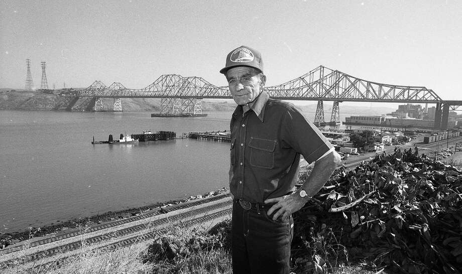 Al Zampa, the most storied ironworker in Bay Area history, worked on many of the Bay Area bridges, including the Carquinez Bridge, which is in the background in this Oct. 6, 1986, photo. Photo: Jerry Telfer, The Chronicle