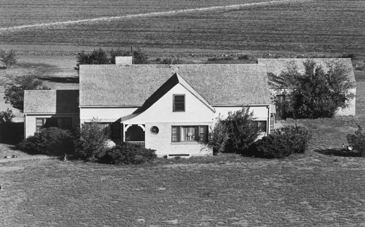 This is the farmhouse made famous in Truman Capote's book, In Cold Blood. It was on November 15, 1959 that wheat farmer, Herbert Clutter, his wife, and two teenage children were murdered.