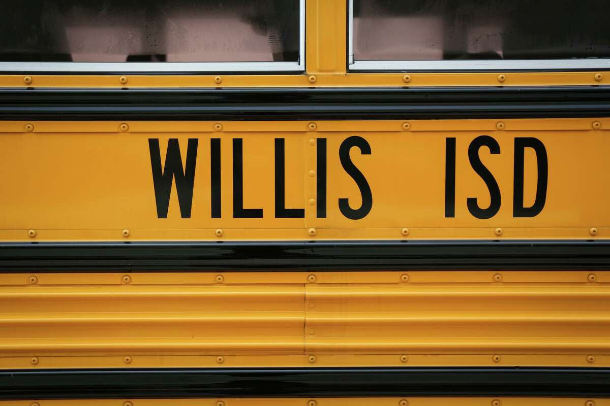 Willis ISD defends makeup application presentation by Houston-area drag queen for cosmetology students.