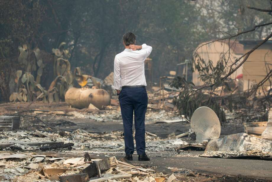 Gov. Gavin Newsom surveys a home destroyed in the Kincade Fire, Friday, Oct. 25, 2019, in Geyserville, Calif. Photo: MediaNews Group/The Mercury News/MediaNews Group Via Getty Images