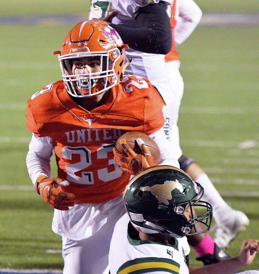Carlos Jaime ran for 48 yards and a touchdown in United's 45-14 win over Nixon on Friday. Photo: Cuate Santos /Laredo Morning Times / Laredo Morning Times