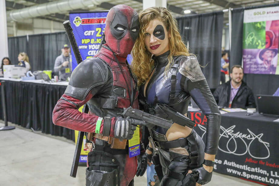 San Antonians got up close and personal with famous actors, comic creators, and artists at Celebrity Fan Fest on Saturday. Photo: Joel Pena / Joel Marcos Pena Jr.