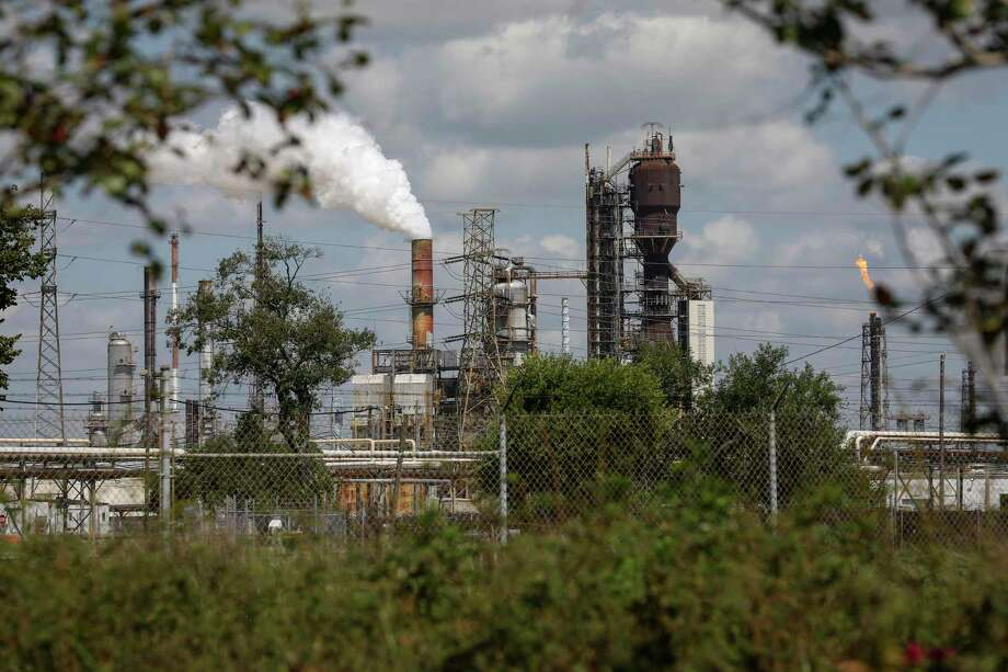 The ExxonMobile Baytown Refinery, photographed on Tuesday, Sept. 24, 2019, in Baytown. Photo: Jon Shapley, Houston Chronicle / Staff Photographer / © 2019 Houston Chronicle