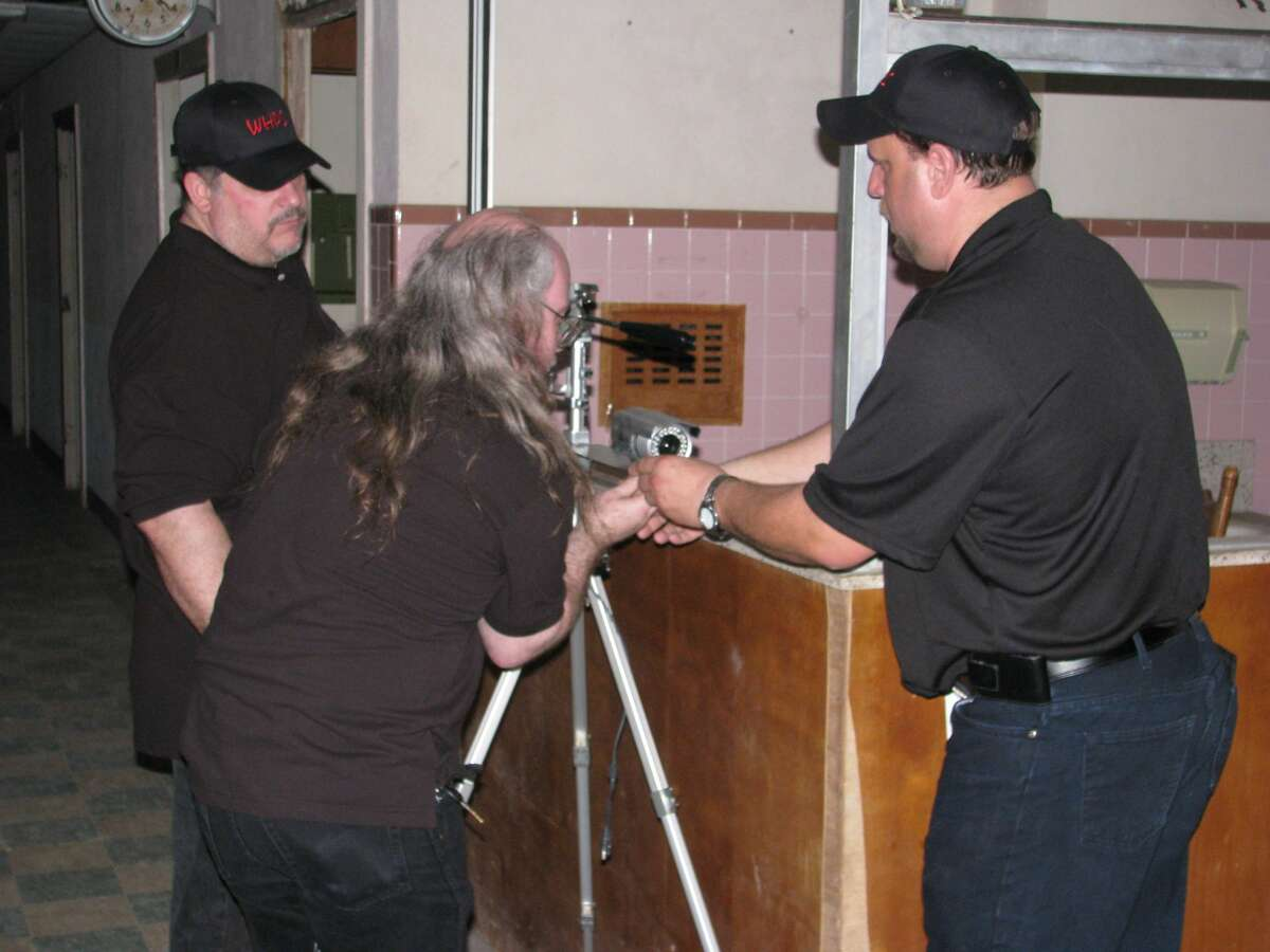 Houston area ghost hunters, much like the teams on TV, investigate a variety of paranormal phenomena, including hauntings, mysterious lights, flickering light bulbs, spirits and other unexplained events. They do it with some of the latest technology available, including EVP recorders, ghosts boxes, thermal cams and laser grids.