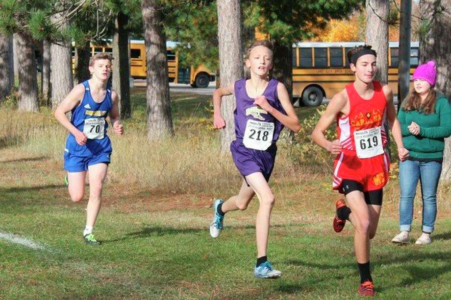 Skylar Werden battles his way to a top 15 finish in the region. (Photo/Robert Myers)