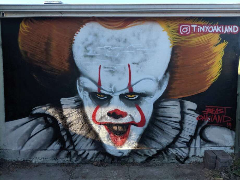 """A new mural of Pennywise the clown from """"It"""" has popped up in East Oakland, just before Halloween. Photo: Ansel Troy 