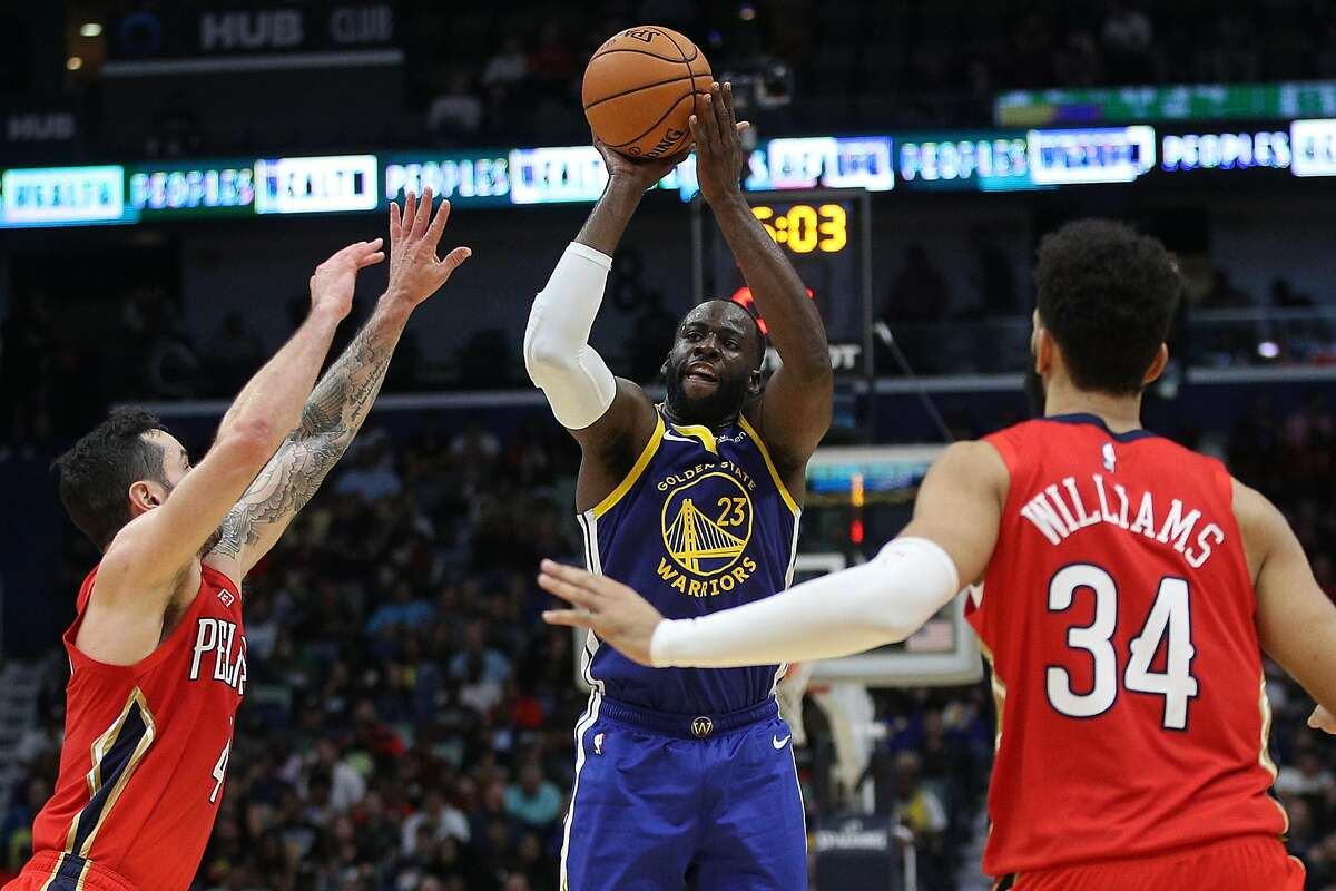 NEW ORLEANS, LOUISIANA - OCTOBER 28: Draymond Green #23 of the Golden State Warriors shoots the ball over JJ Redick #4 of the New Orleans Pelicans at Smoothie King Center on October 28, 2019 in New Orleans, Louisiana. NOTE TO USER: User expressly acknowledges and agrees that, by downloading and/or using this photograph, user is consenting to the terms and conditions of the Getty Images License Agreement (Photo by Chris Graythen/Getty Images)