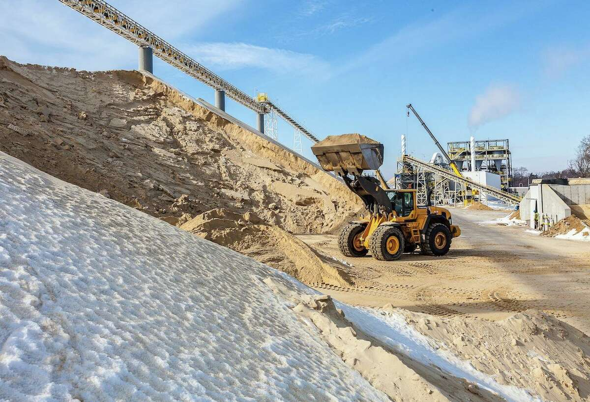 Katy frac sand company U.S. Silica owns and operates a mine near Sparta, Wisconsin. The plant mines sand through a process called dredging where it is extracted from the ground with water without the use of any chemicals.