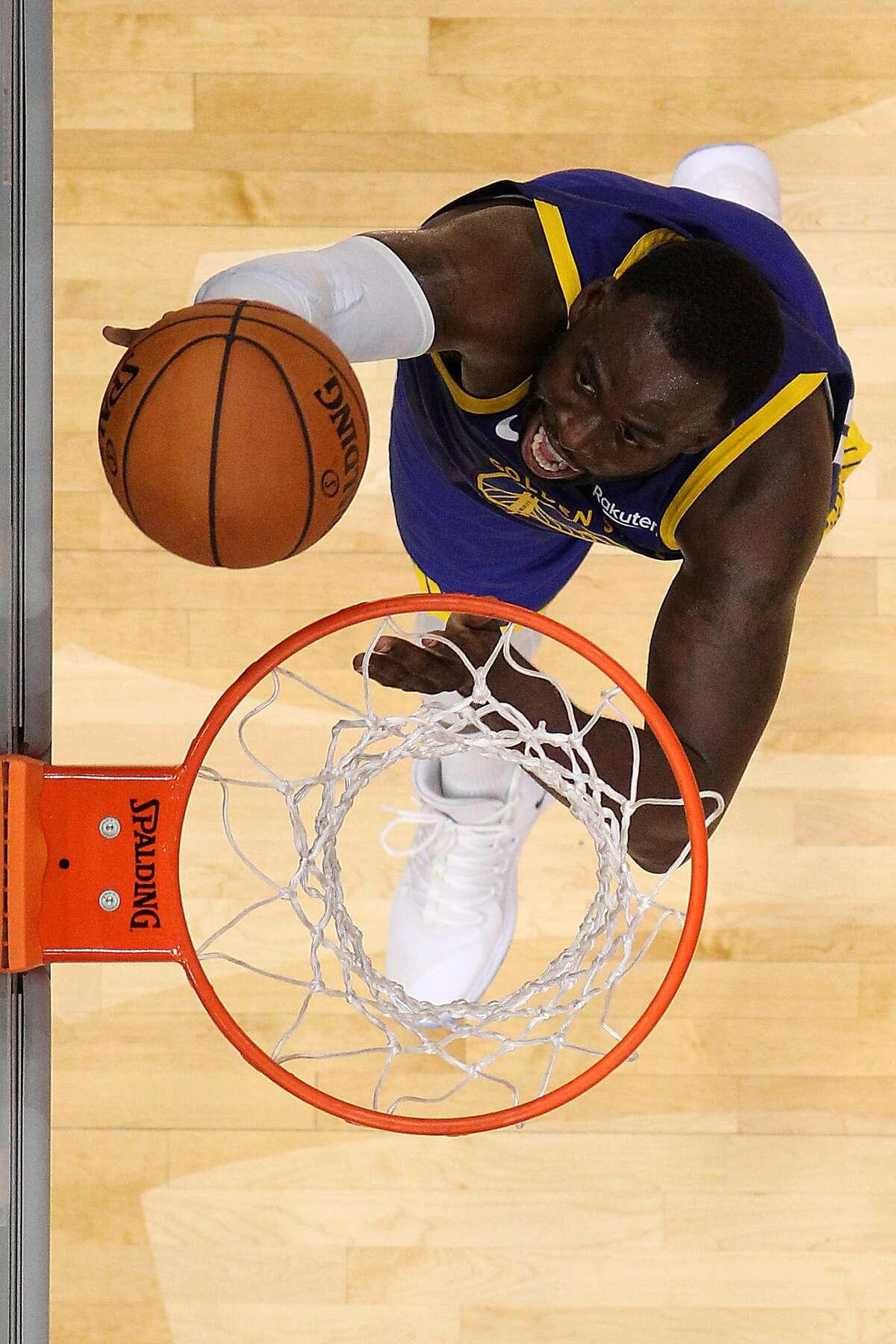 NEW ORLEANS, LOUISIANA - OCTOBER 28: Draymond Green #23 of the Golden State Warriors makes a layup against the New Orleans Pelicans at Smoothie King Center on October 28, 2019 in New Orleans, Louisiana. NOTE TO USER: User expressly acknowledges and agrees that, by downloading and/or using this photograph, user is consenting to the terms and conditions of the Getty Images License Agreement (Photo by Chris Graythen/Getty Images)
