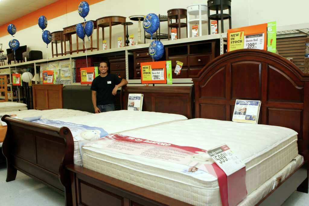 Big Lots sees opening in closeouts   Connecticut Post