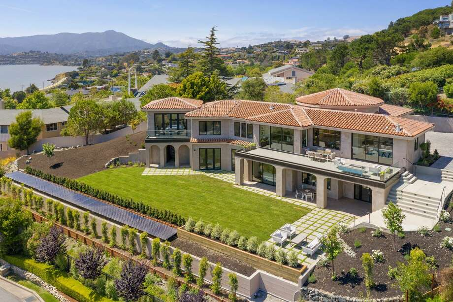 This $9M custom built Tiburon home features two Tesla powerwalls and stunning Bay views. Photo: Photo: Open Homes Photography