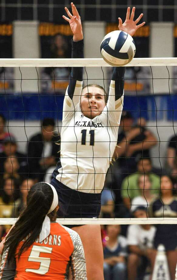 Laredo and United ISD volleyball teams will begin practices Monday as they prepare for their shortened seasons. Photo: Danny Zaragoza /Laredo Morning Times File