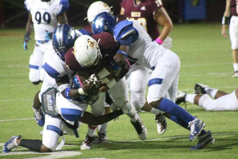 After it took a dip following the North Shore game, Deer Park's yards-per-game average climbed for a second straight week with the release of this week's 21-6A stats. Photo: Robert Avery