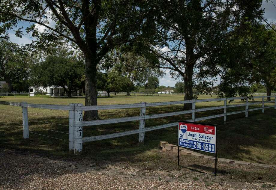A home is advertised for sale on Tuesday, Sept. 3, 2019, in Fulshear. During the Great Recession, many people owed more money on their homes than their homes were worth. Now, far fewer people are in that situation -- but the recovery has been uneven, and many rural areas lag behind. Photo: Jon Shapley,  Houston Chronicle / Staff Photographer / © 2019 Houston Chronicle