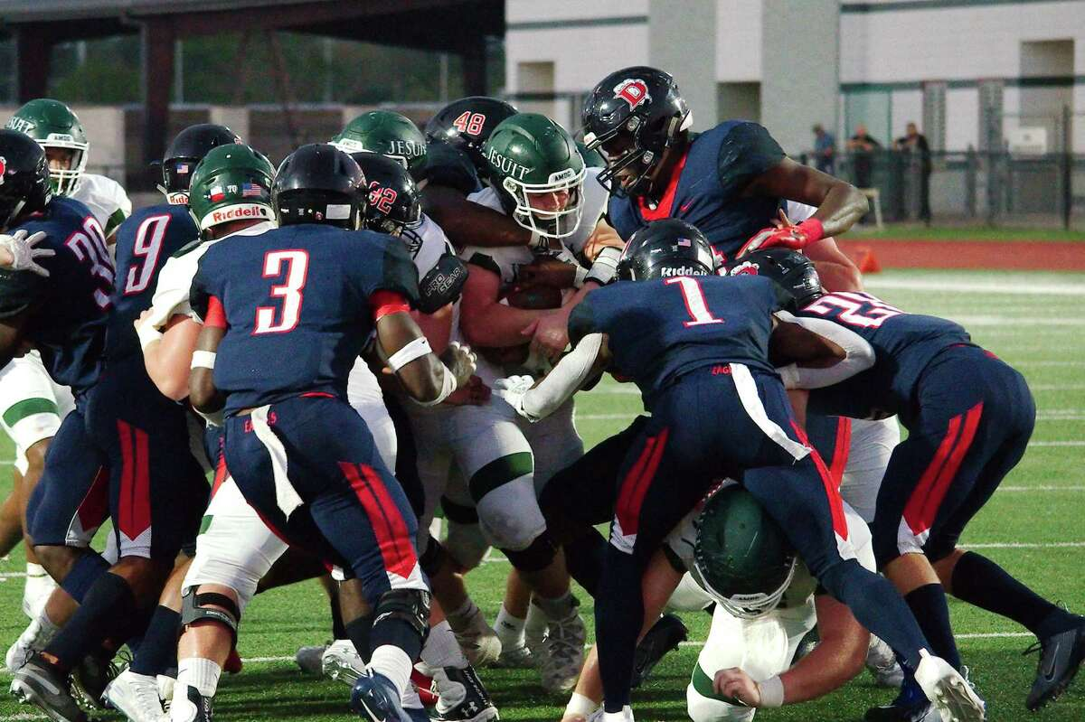 Dawson will try to secure at least a District 23-6A football co-championship this Friday against Alief Hastings.