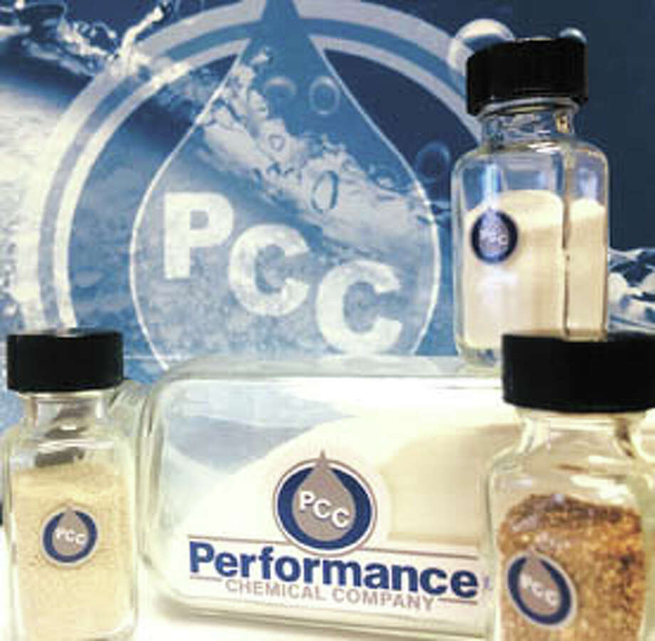 Performance Chemical's dry chemistry reduces iron and iron sulfide in producing wells and SWDs for 30-90 days per treatment. They're safe, effective and environmentally friendly. Call PCC this week at (432) 332-3059 to learn more. Photo: Na'Tassia Finley, PCC