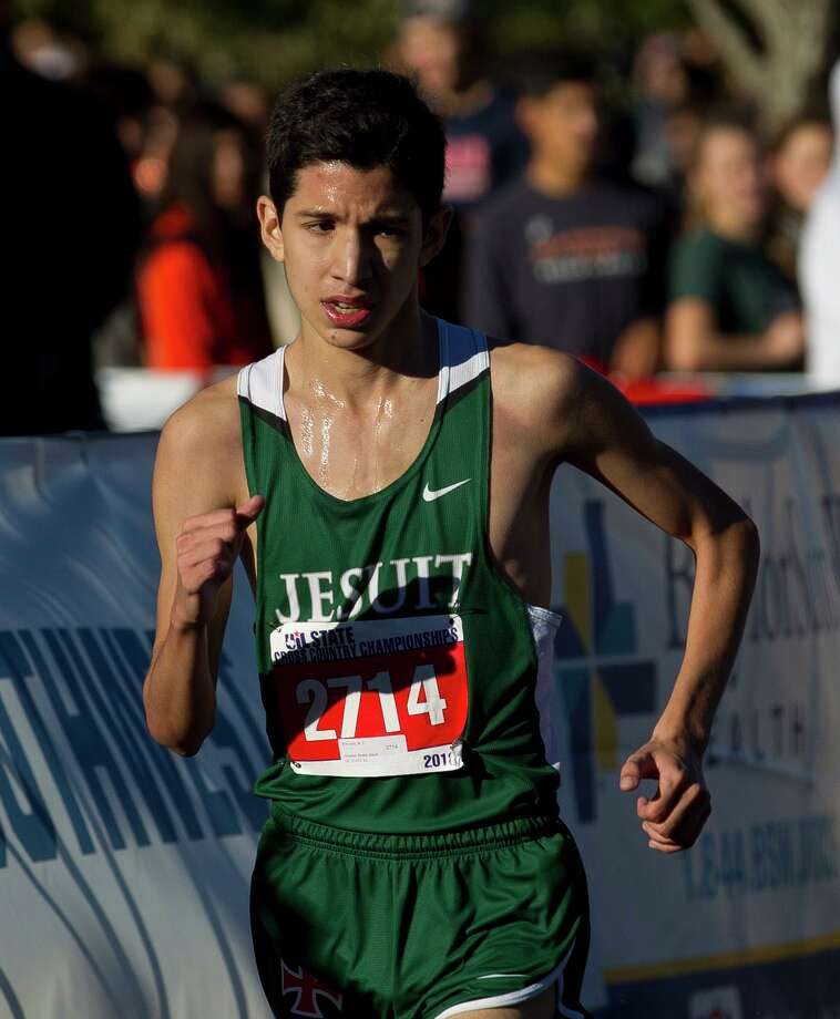 Erik Lara of Strake Jesuit competes in the Class 6A boys race during the UIL State Cross Country Championships, Saturday, Nov. 3, 2018, in Round Rock. Photo: Jason Fochtman, Houston Chronicle / Staff Photographer / © 2018 Houston Chronicle