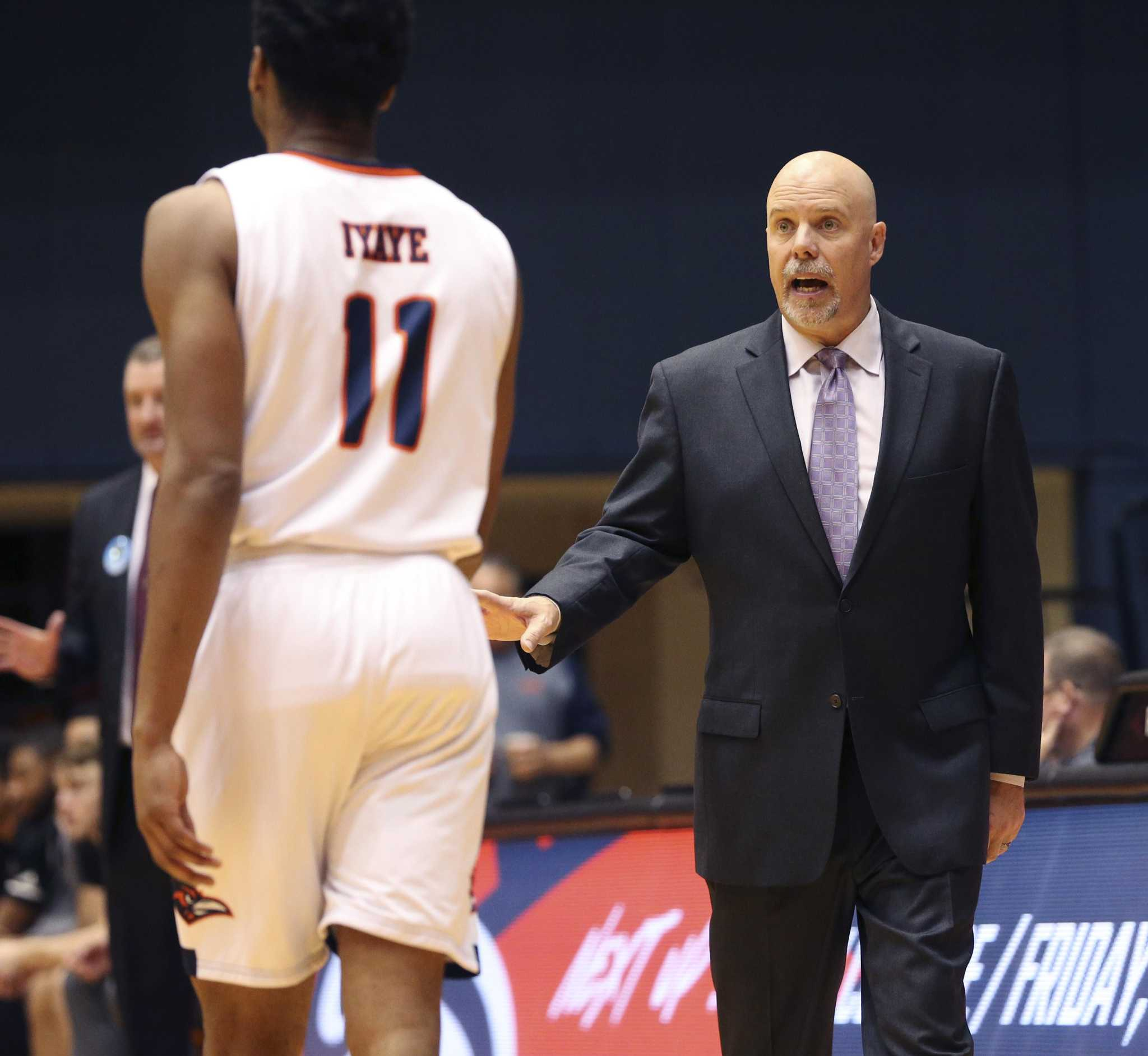 UTSA men's basketball adds two as early signing period opens