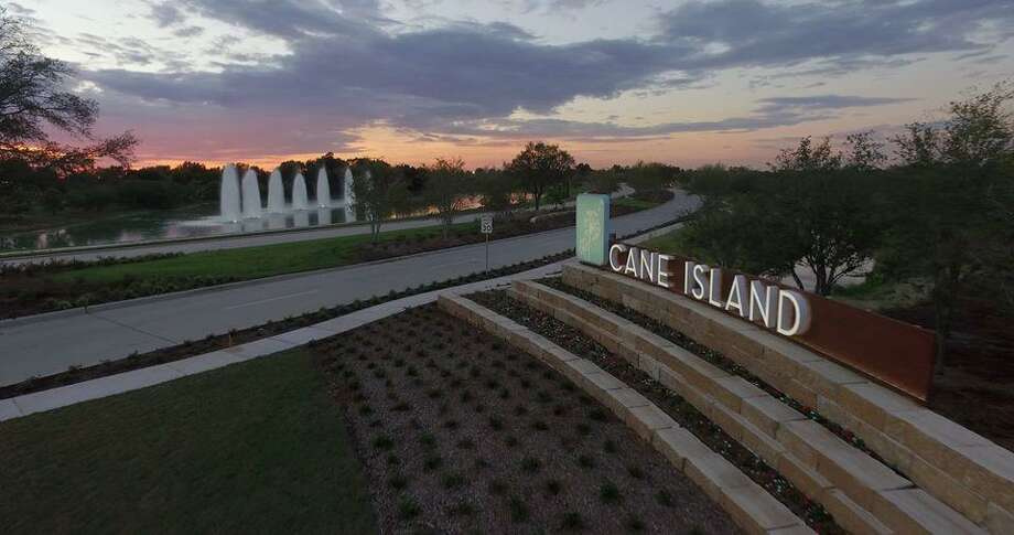 Cane Island residents enjoy the convenience of quick I-10 access via Cane Island Parkway.