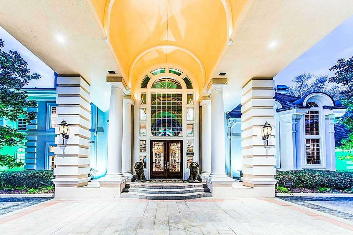 The former home of Houston-area attorneyNelda Luce Blair is listed at $2.98 million.