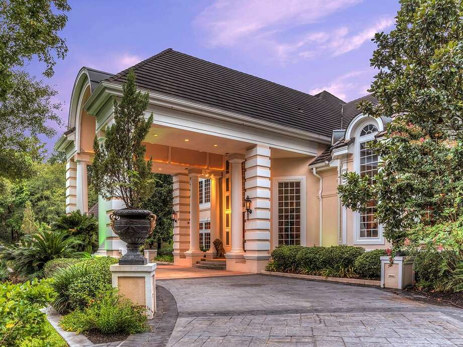 The former home of Houston-area attorney Nelda Luce Blair is listed at $2.98 million. Photo: Patrick Bertolino