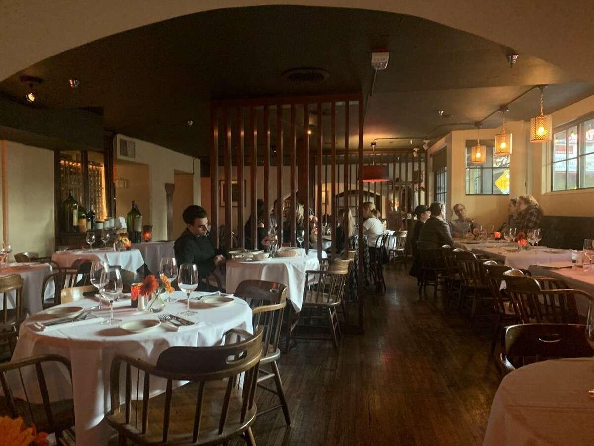 Il Bistro dishes out Italian fare in a cozy setting.