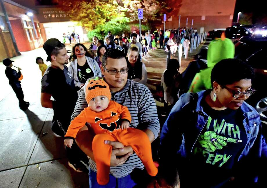 New Haven Halloween Trick Or Treat Hours 2020 New Haven urges kids not to trick or treat, all to follow COVID