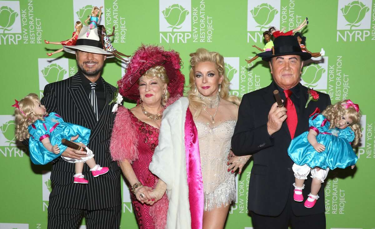 NEW YORK, NEW YORK - OCTOBER 31: (L-R) Lance LePere, actress/singer Bette Midler, actress Jane Krakowski and designer Michael Kors attend Bette Midler's 2019 Hulaween at New York Hilton Midtown on October 31, 2019 in New York City. (Photo by Jim Spellman/WireImage)