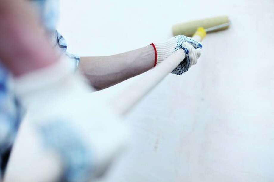 Neighbors' contractors are leaving strong paint fumes. (Dreamstime/TNS) / Sun Sentinel