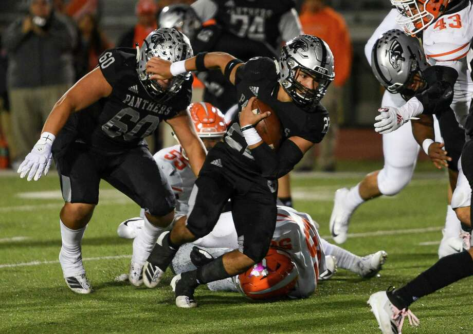 United South running back Brian Benavides ran for 2,217 yards last year as a junior. Photo: Danny Zaragoza /Laredo Morning Times File