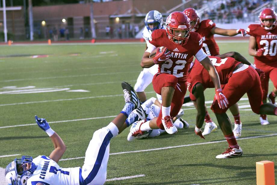 Jose Castañeda and Martin host Harlandale at 7:30 p.m. Friday at Shirley Field with a chance to secure a playoff berth. Photo: Cuate Santos /Laredo Morning Times / Laredo Morning Times