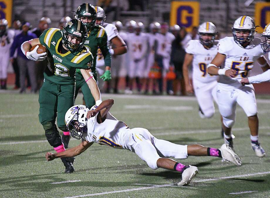 Senior running back Joseph Ibarra ran for 124 yards and two touchdowns in Nixon's win over LBJ Thursday. Photo: Cuate Santos /Laredo Morning Times / Laredo Morning Times