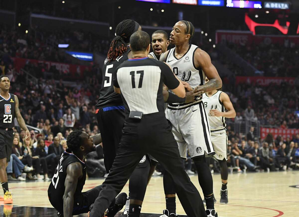 OCT 31 SPURS 97, Clippers 103 Record: 3-1 DeRozan - 29 pts Gay - 12 rbs Gay - 4 asts
