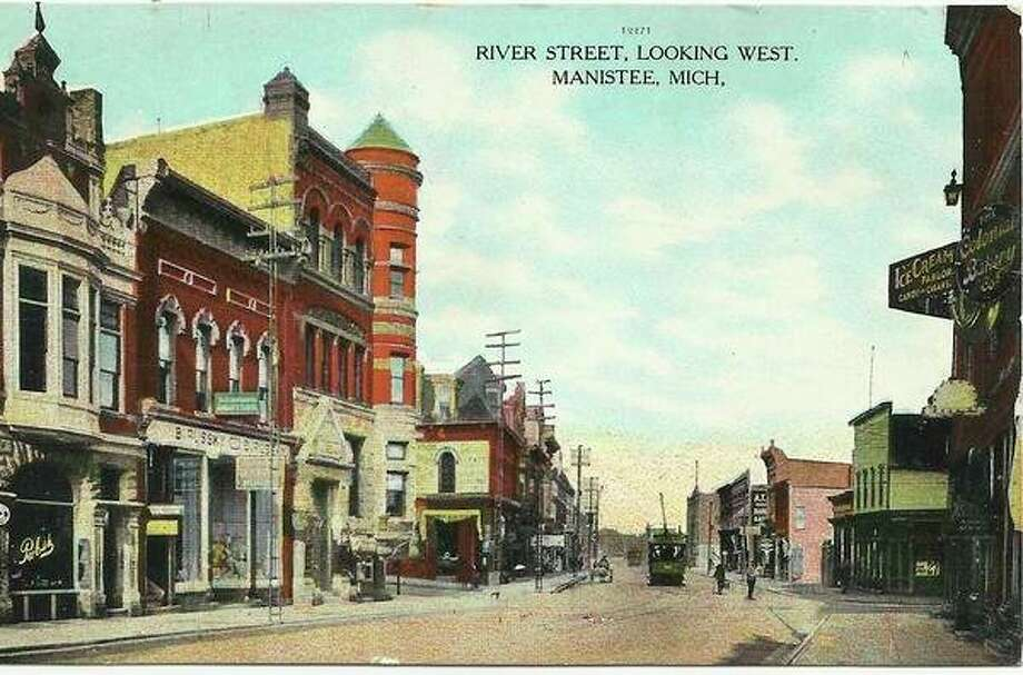 This 1905 view shows River Street looking west toward Lake Michigan.