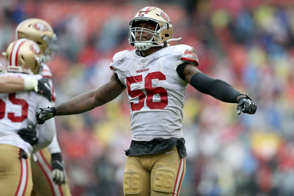 Kwon Alexander #56 of the San Francisco 49ers celebrates a tackle against the Washington Redskins at FedExField on October 20, 2019 in Landover, Maryland. (Photo by Rob Carr/Getty Images)