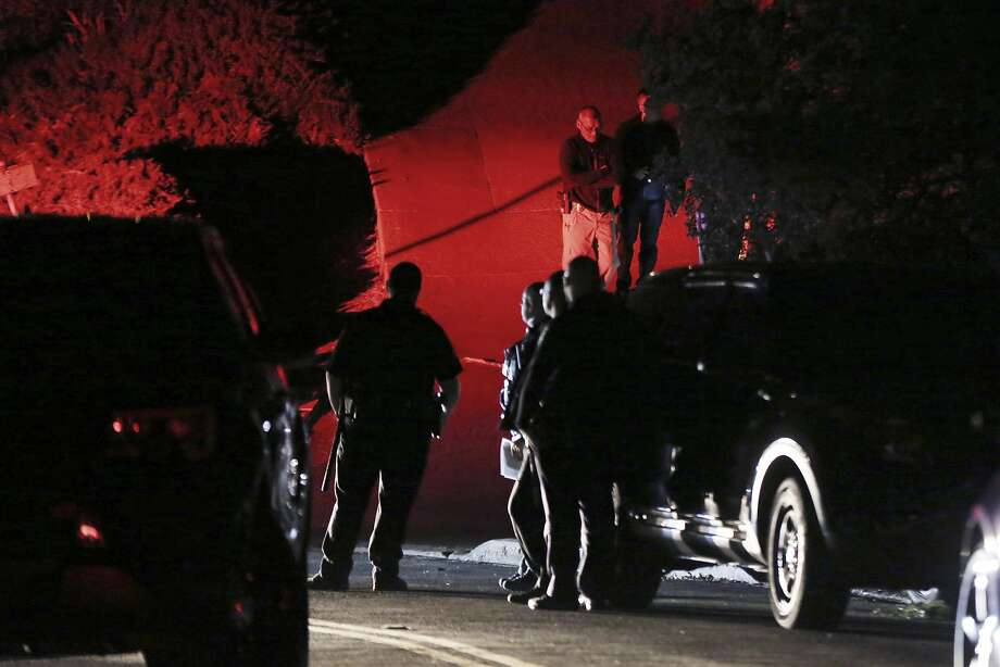 Contra Costa County Sheriff deputies investigate a multiple shooting in Orinda on Oct. 31. Photo: Ray Chavez / Associated Press