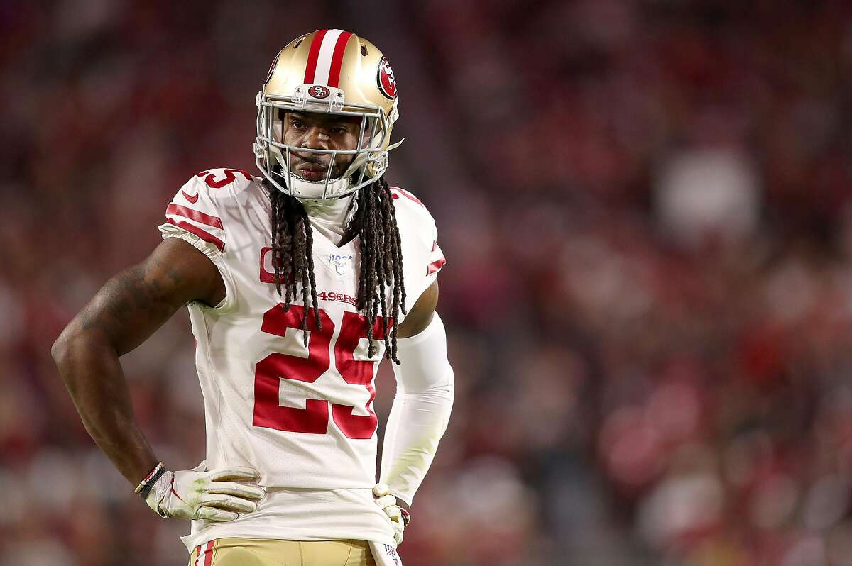 GLENDALE, ARIZONA - OCTOBER 31: Cornerback Richard Sherman #25 of the San Francisco 49ers looks on during the game against the Arizona Cardinals at State Farm Stadium on October 31, 2019 in Glendale, Arizona. (Photo by Christian Petersen/Getty Images)