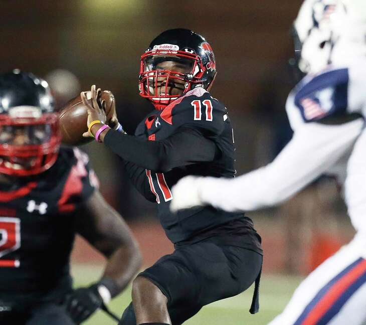 Sophomore quarterback Isaiah Williams has led Wagner to 11 straight wins en route to its second straight Region IV-5A final.