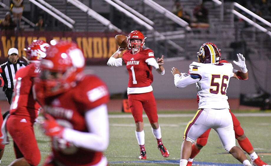Quarterback Gerardo Cham will return next year for Martin after throwing for 1,000-plus yards in his first season on varsity. Photo: Cuate Santos /Laredo Morning Times File / Laredo Morning Times