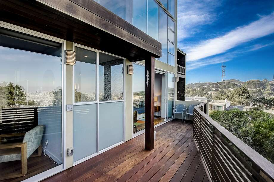 Like a luxury spaceship in the sky, 9 Ora Way is a mid-century stunner asking $3.4M Photo: JEAN PAUL TOSHIRO, Redfin