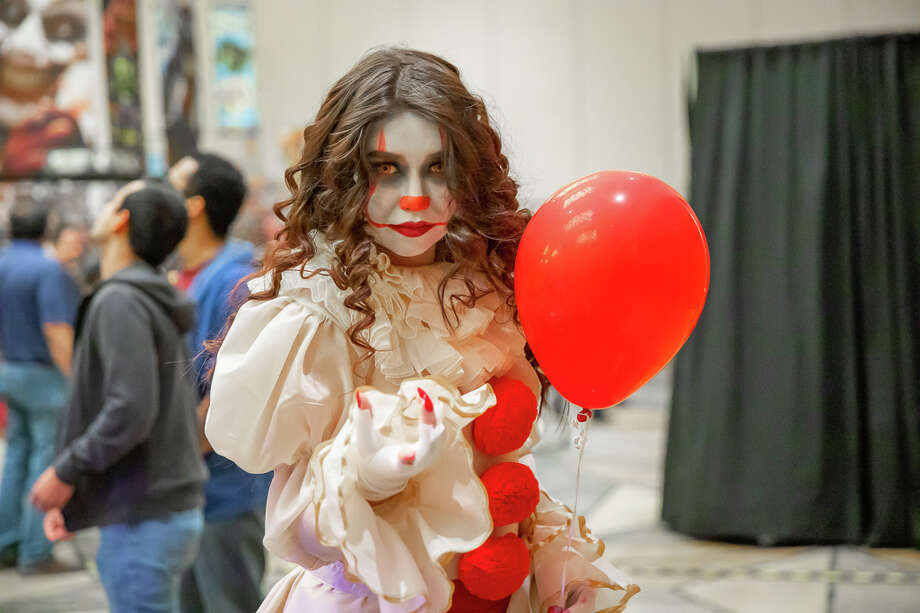 Pop culture fans and celebrity watchers lined up for  Alamo City Comic Con's Halloween Edition, which runs through Sunday, Nov. 3, 2019, at The Grand Hyatt. Photo: Joel Peña For MySA