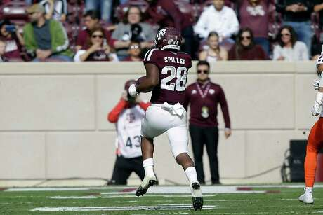 Texas A&M running back Isaiah Spiller (28) breaks loose for a 60-yard touchdown during the first quarter against the UTSA Roadrunners at Kyle Field on Nov. 2, 2019 in College Station.