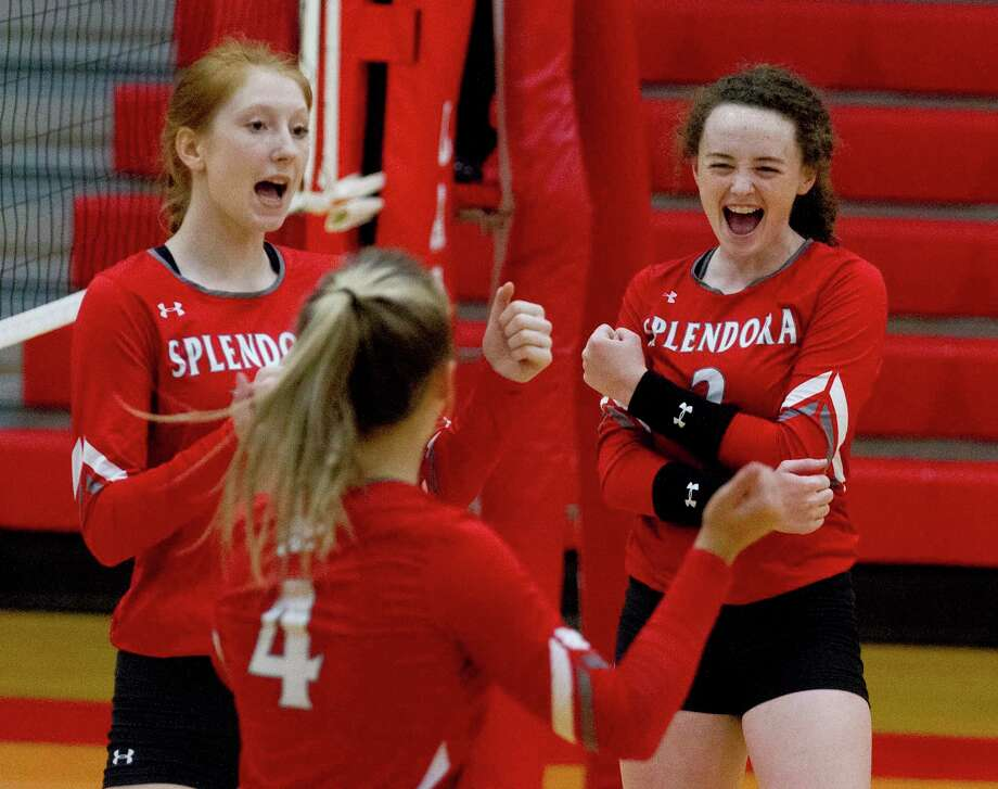 Splendora right side hitter Falon Buford (2) reacts toward outside hitter Shaelyn Sanders (4) after scoring a point during the third set of a non-district high school volleyball match at Splendora High School, Tuesday, Sept. 16, 2019, in Splendora. Photo: Jason Fochtman, Houston Chronicle / Staff Photographer / Houston Chronicle
