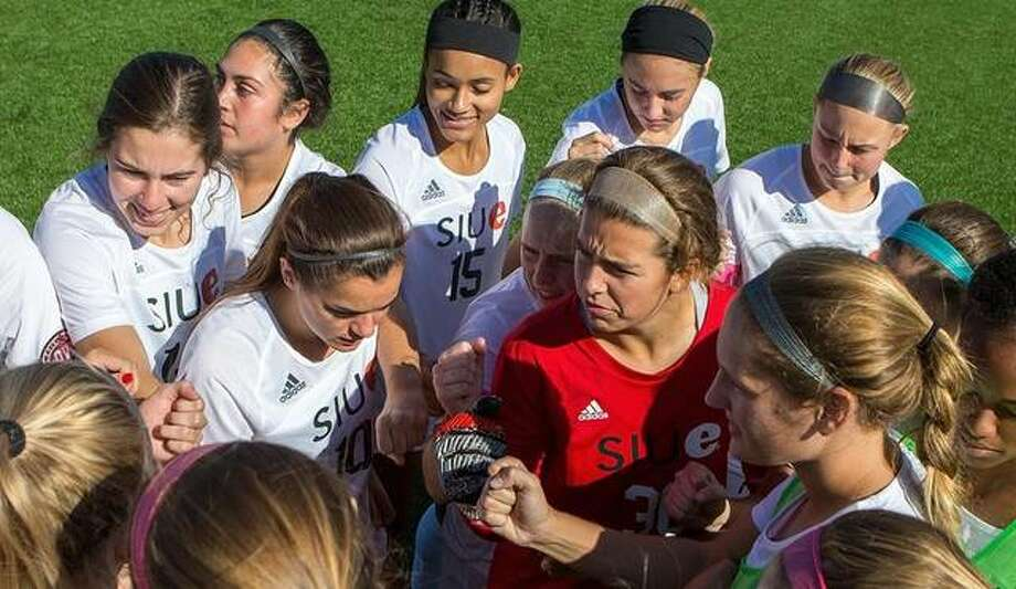 The SIUE women's soccer team talks during the game. Photo: The Intelligencer