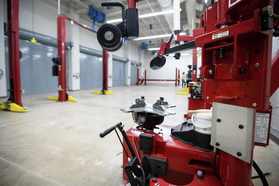 A garage for automotive training is pictured at the Willis ISD Career & Technology Education Center on Sunday, Aug. 12, 2018, during the grand opening. Photo: Michael Minasi, Staff Photographer / Houston Chronicle / © 2018 Houston Chronicle