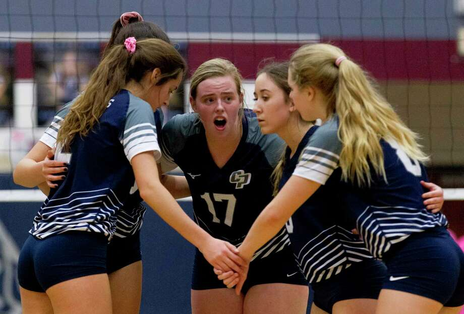 College Park setter Annie Cooke (17) talks with players during the first set of a District 15-6A high school volleyball match, Tuesday, Oct. 29, 2019, in The Woodlands. Photo: Jason Fochtman, Houston Chronicle / Staff Photographer / Houston Chronicle