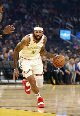 SAN FRANCISCO, CALIFORNIA - NOVEMBER 01:  Willie Cauley-Stein #2 of the Golden State Warriors dribbles the ball against the San Antonio Spurs at Chase Center on November 01, 2019 in San Francisco, California.  NOTE TO USER: User expressly acknowledges and agrees that, by downloading and or using this photograph, User is consenting to the terms and conditions of the Getty Images License Agreement. (Photo by Ezra Shaw/Getty Images)
