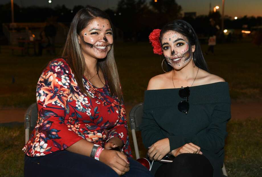 Laredoans enjoy the live music, activities and fiery acts during the Ueta Jamboozie, Saturday, Nov. 5, 2019, at Tres Laredos Park. Photo: Danny Zaragoza