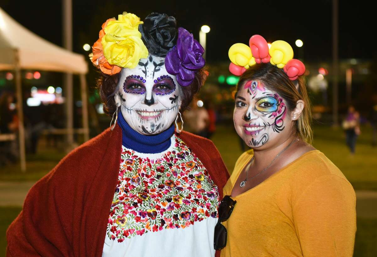 Laredoans enjoy the live music, activities and fiery acts during the Ueta Jamboozie, Saturday, Nov. 5, 2019, at Tres Laredos Park.
